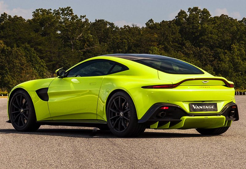 2019 Aston Martin Vantage - top car design rating and specifications